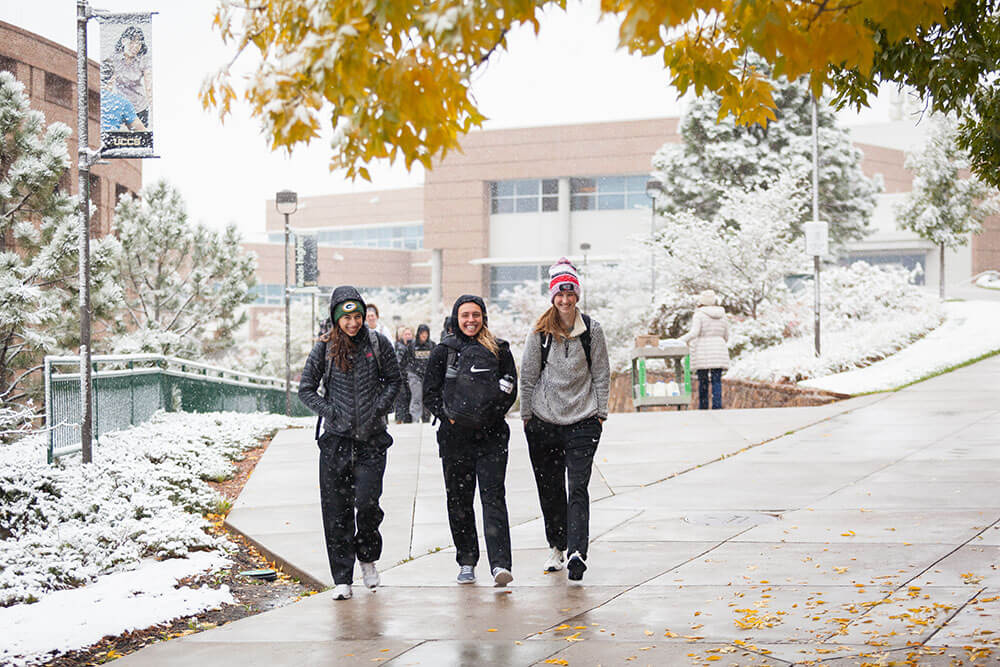 Students at UCCS in the snow